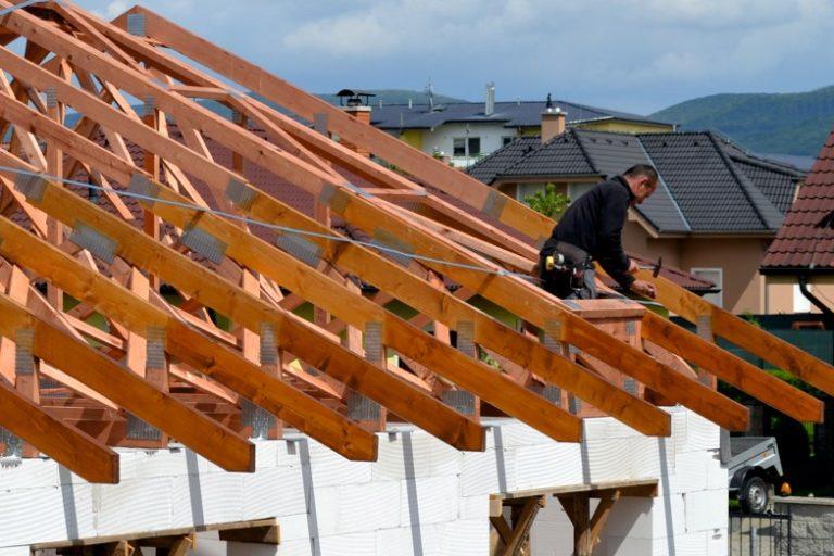 robenie strechy